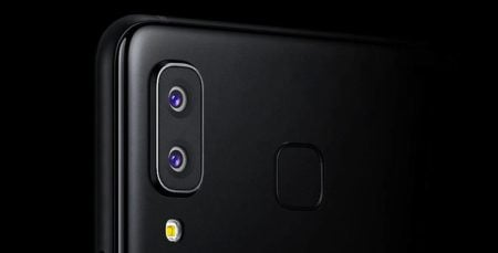 Samsung used a DSLR Photograph to fake Galaxy A8 Star Photo Capability