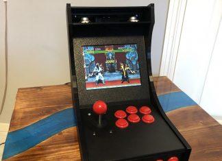 Classic arcade machine running on Raspberry Pi