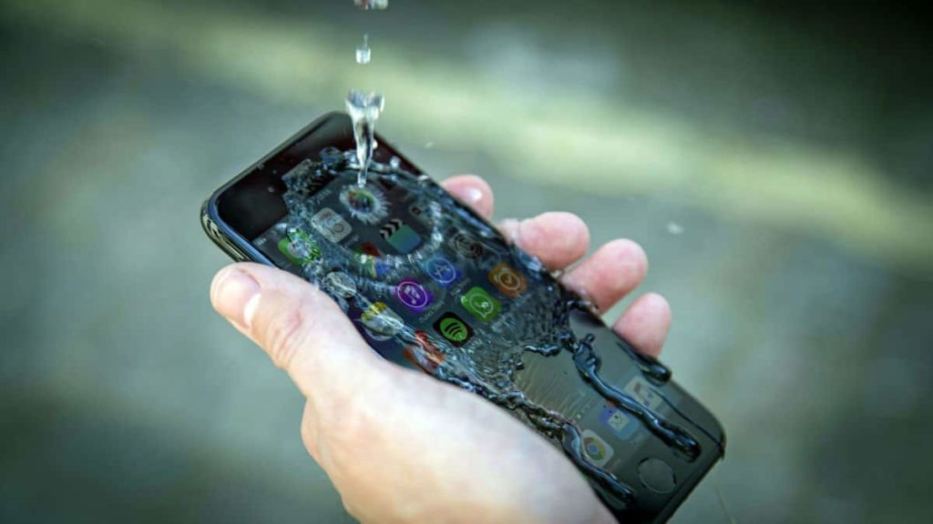 iPhone removable batteries