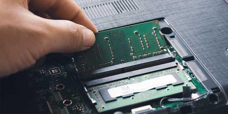 Removing SODIMM RAM