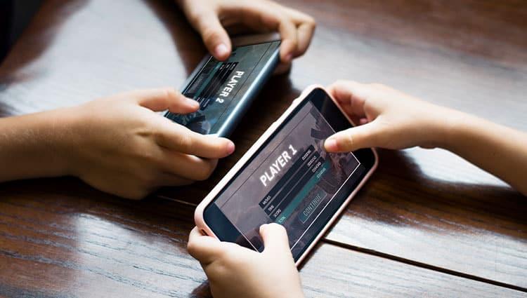 mobile-playing